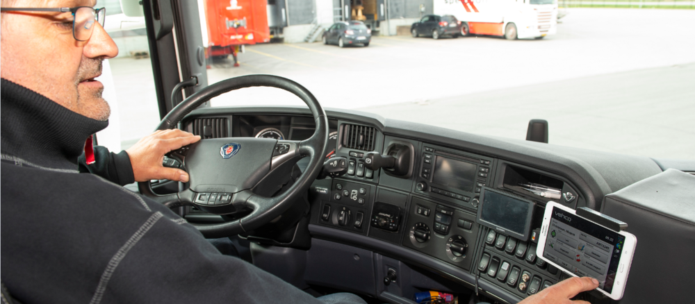 Drivers get higher productivity with Vehco Fleet Management on mobile device